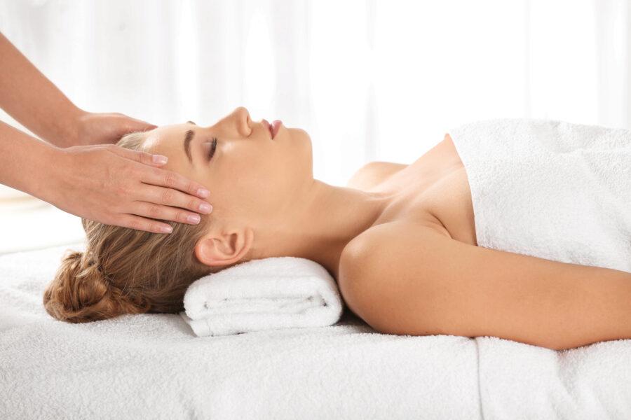 Nacken-Kopf Massage